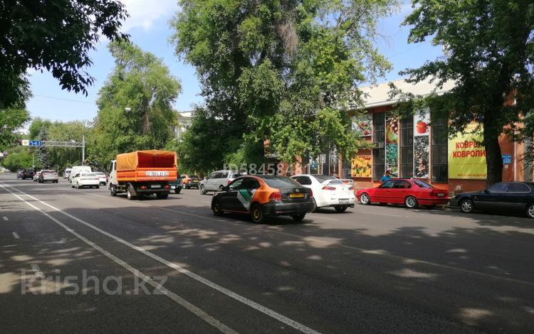 Здание, площадью 1524 м², Макатаева 125 — Байтурсынова за 660 млн 〒 в Алматы, Алмалинский р-н