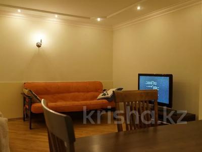 2-комнатная квартира, 46 м², 2/3 этаж посуточно, Кайсенова за 10 000 〒 в Усть-Каменогорске — фото 3