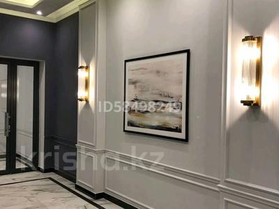 5-комнатная квартира, 215 м², 4/7 этаж, Мангилик Ел 29 за 125 млн 〒 в Нур-Султане (Астана), Есиль р-н — фото 4