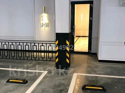 5-комнатная квартира, 215 м², 4/7 этаж, Мангилик Ел 29 за 125 млн 〒 в Нур-Султане (Астана), Есиль р-н — фото 6