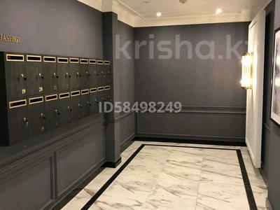5-комнатная квартира, 215 м², 4/7 этаж, Мангилик Ел 29 за 125 млн 〒 в Нур-Султане (Астана), Есиль р-н — фото 3