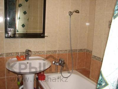 1-комнатная квартира, 30 м², 3/5 этаж посуточно, проспект Шакарима 15 — Валиханова за 8 000 〒 в Семее