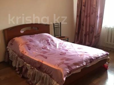 1-комнатная квартира, 30 м², 3/5 этаж посуточно, проспект Шакарима 15 — Валиханова за 8 000 〒 в Семее — фото 2