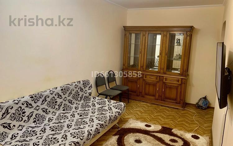 2-комнатная квартира, 46 м², 3/5 этаж помесячно, Авангард-4 4а за 100 000 〒 в Атырау, Авангард-4