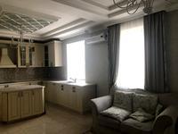 5-комнатная квартира, 207 м², 2/2 этаж помесячно