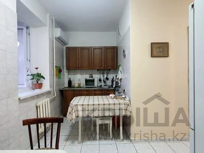 1-комнатная квартира, 33 м², 3/5 этаж, Жарокова 290 за 16.8 млн 〒 в Алматы, Бостандыкский р-н