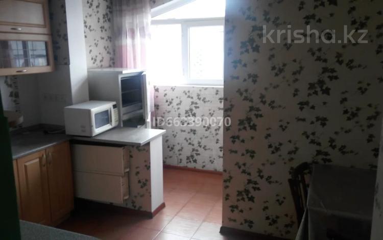 2-комнатная квартира, 57 м², 5/5 этаж помесячно, Шаляпина 11 за 130 000 〒 в Алматы, Ауэзовский р-н