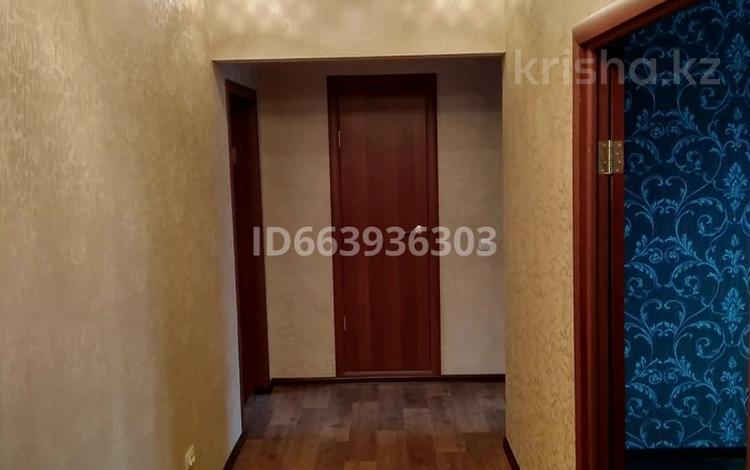 2-комнатная квартира, 53 м², 3/5 этаж, мкр Юго-Восток, Орбита 19 за 16.7 млн 〒 в Караганде, Казыбек би р-н