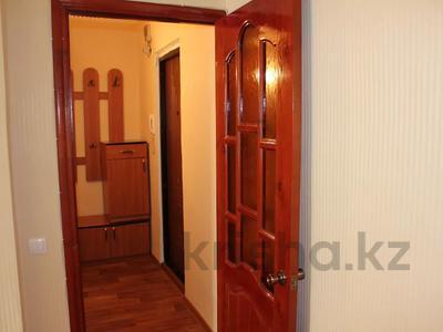 1-комнатная квартира, 32 м², 2/5 этаж посуточно, Азаттык 99а за 7 000 〒 в Атырау — фото 6