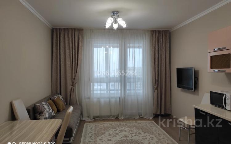 1-комнатная квартира, 47 м², 14/17 этаж посуточно, Е49 55/4 за 10 000 〒 в Нур-Султане (Астана), Есиль р-н