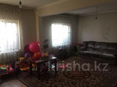5-комнатный дом, 205 м², 10 сот., Богенбай Батыра 1 за 18 млн 〒 в Туздыбастау (Калинино)