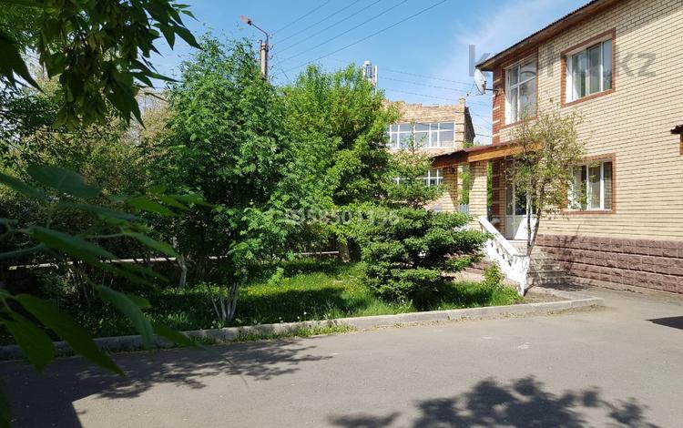 7-комнатный дом, 350 м², 14 сот., Ондасынова — Космонавтов за 177 млн 〒 в Нур-Султане (Астана), Есиль р-н