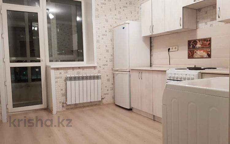 1-комнатная квартира, 38 м², 2/10 этаж, Алихана Бокейханова 15 за 15.8 млн 〒 в Нур-Султане (Астана), Есиль р-н
