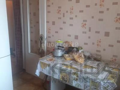 2-комнатная квартира, 44 м², 4/4 этаж, мкр №5, 5 мкр — Абая за 14 млн 〒 в Алматы, Ауэзовский р-н