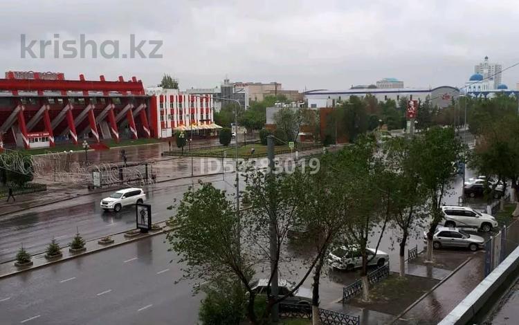 2-комнатная квартира, 65 м² посуточно, Абилкаир хана 67 — СТАДИОН за 8 500 〒 в Актобе