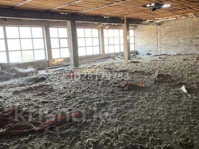 Магазин площадью 1025 м², Ворошилова 142 за 110 млн 〒 в Бельбулаке (Мичурино)
