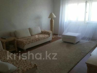 3-комнатная квартира, 90 м² помесячно, Мкр «Самал» 1–10 за 180 000 〒 в Нур-Султане (Астана) — фото 2