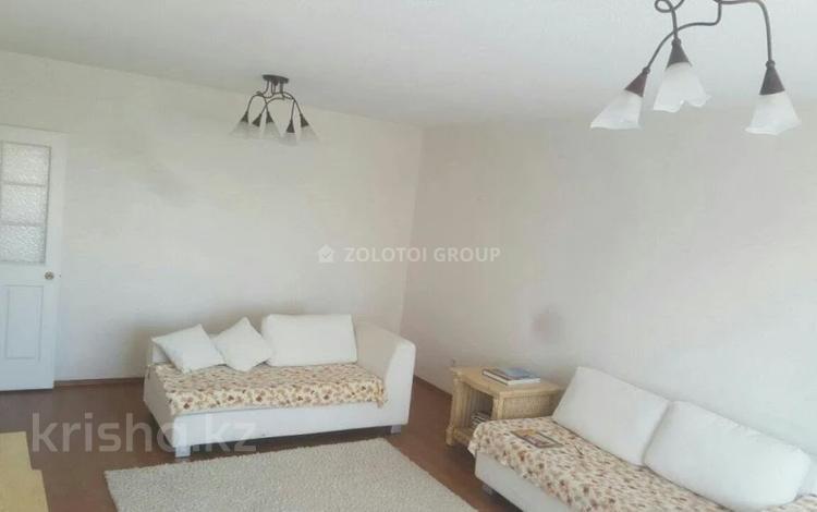 3-комнатная квартира, 90 м² помесячно, Мкр «Самал» 1–10 за 180 000 〒 в Нур-Султане (Астана)
