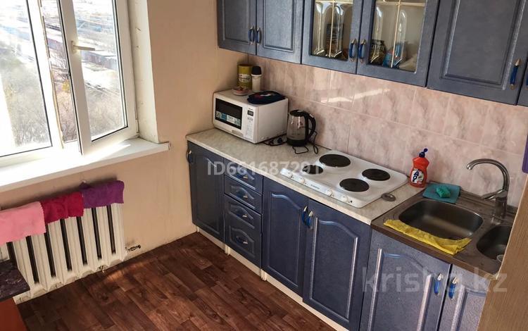 2-комнатная квартира, 50 м², 10/10 этаж, 3 А 5 за 4.4 млн 〒 в Темиртау