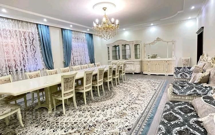7-комнатный дом, 380 м², 10 сот., мкр Коккайнар Игилик 65. за 130 млн 〒 в Алматы, Алатауский р-н