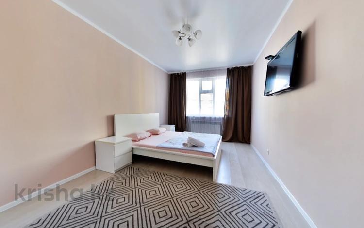 1-комнатная квартира, 40 м², 8/9 этаж посуточно, Улы дала 40 за 8 000 〒 в Нур-Султане (Астане)
