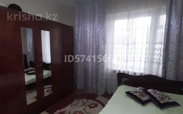 4-комнатная квартира, 76.2 м², 3/5 этаж, 9 мкр 5 за 16 млн 〒 в Таразе