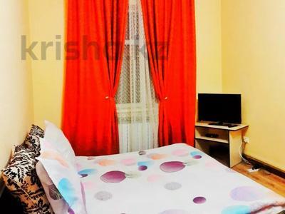 1-комнатная квартира, 36 м², 2/5 этаж посуточно, Тауке хан 220 — Елшибек батыр за 6 000 〒 в Шымкенте, Енбекшинский р-н