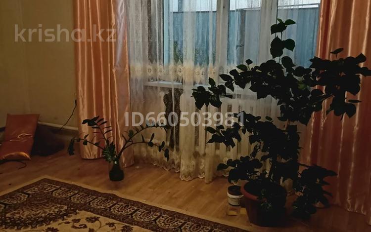 5-комнатный дом, 300 м², 10 сот., 15мкр 68 за 12 млн 〒 в Акмолинской обл.