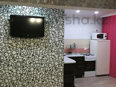 1-комнатная квартира, 32 м², 1/5 этаж посуточно, Ленинградской 54 за 5 000 〒 в Шахтинске — фото 2