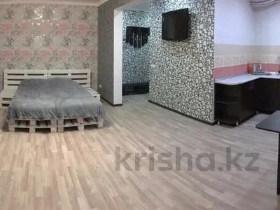 1-комнатная квартира, 32 м², 1/5 этаж посуточно, Ленинградской 54 за 5 000 〒 в Шахтинске — фото 5