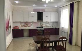 8-комнатный дом, 250 м², 10 сот., Момышулы 46 — Соколиная за 80 млн 〒 в Уральске