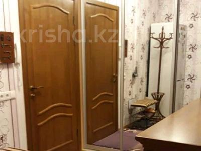 2-комнатная квартира, 42 м², 3/5 этаж посуточно, улица Айманова 103 — Абая за 12 000 〒 в Алматы, Алмалинский р-н