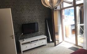 4-комнатная квартира, 180 м² на длительный срок, Санаторная 18 за 800 000 〒 в Алматы
