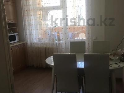 2-комнатная квартира, 61 м², 12/14 этаж, Мәңгілік Ел 19 за 22.9 млн 〒 в Нур-Султане (Астана), Есиль р-н — фото 9