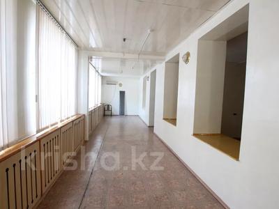 Здание, Илтипат 45В — Шаляпина площадью 650 м² за 2.1 млн 〒 в Алматы, Ауэзовский р-н — фото 16