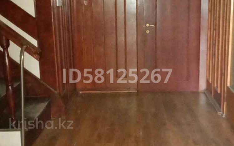 7-комнатный дом помесячно, 260 м², Кулынды 18 — Тайбекова за 650 000 〒 в Нур-Султане (Астана), Есиль р-н