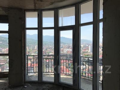2-комнатная квартира, 46 м², 18/18 этаж, Григол Лорткипанидзе 20 за ~ 10.8 млн 〒 в Батуми