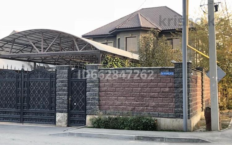 6-комнатный дом, 240 м², 5 сот., мкр Акбулак за 90 млн 〒 в Алматы, Алатауский р-н