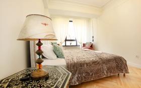 1-комнатная квартира, 60 м², 2/11 этаж по часам, Наурызбай батыра 111 — Курмангазы за 2 000 〒 в Алматы, Алмалинский р-н