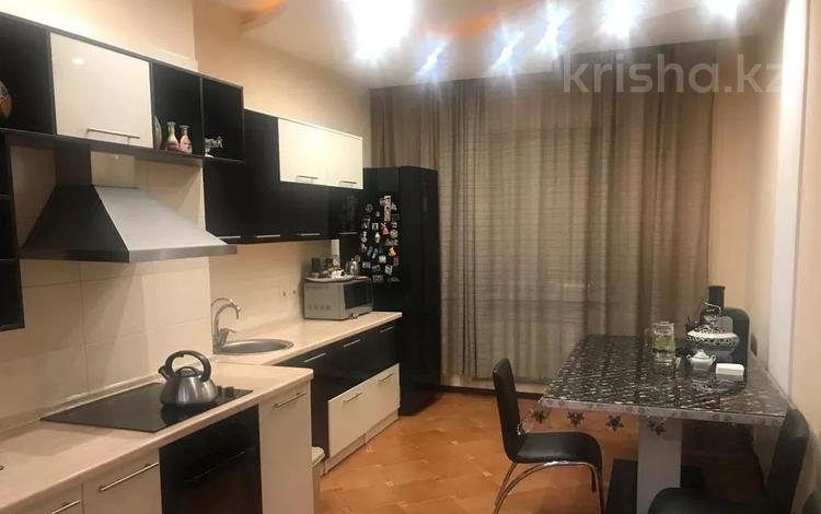 2-комнатная квартира, 80 м², 14/20 этаж, Брусиловского 144 за 42 млн 〒 в Алматы, Алмалинский р-н