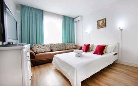 1-комнатная квартира, 42 м², 3/9 этаж посуточно, Славского за 15 000 〒 в Усть-Каменогорске