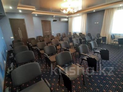 Здание, площадью 1629 м², Бауржана Момышулы 24 за 690 млн 〒 в Нур-Султане (Астана), Алматы р-н — фото 17