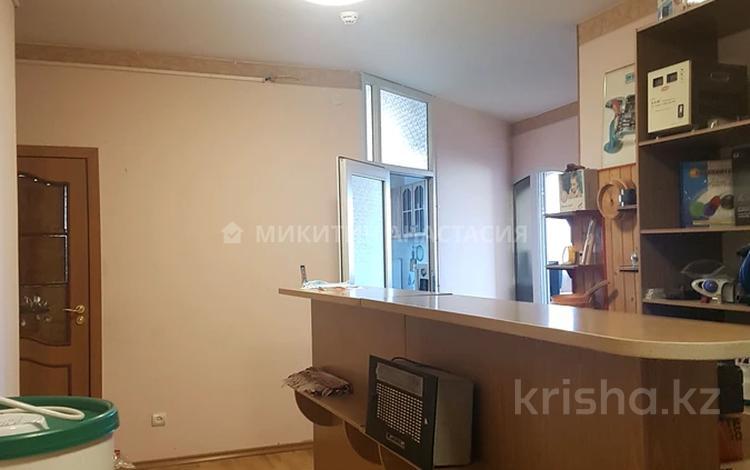 3-комнатная квартира, 125 м², 3/14 этаж помесячно, Гоголя 2 за 230 000 〒 в Алматы, Медеуский р-н