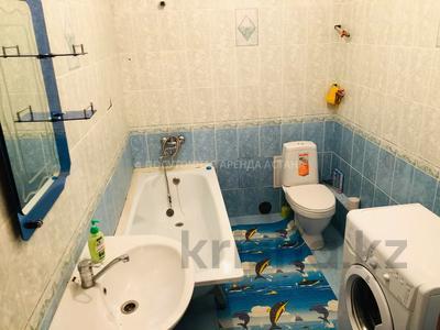 1-комнатная квартира, 45 м², 2/12 этаж посуточно, Сауран 3/1 за 6 000 〒 в Нур-Султане (Астана), Есиль р-н — фото 2
