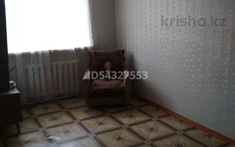 3-комнатная квартира, 64 м², 5/5 этаж, 13 19 за 10 млн 〒 в Караганде, Октябрьский р-н
