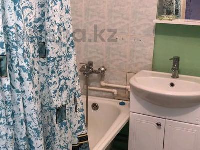 1-комнатная квартира, 45 м², 5/5 этаж посуточно, мкр Астана 25 за 6 000 〒 в Уральске, мкр Астана
