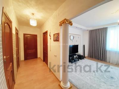 3-комнатная квартира, 90 м², 12/13 этаж, Алии Молдагуловой 27А — проспект Женис за 24.5 млн 〒 в Нур-Султане (Астана), Сарыарка р-н — фото 13
