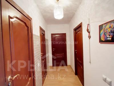 3-комнатная квартира, 90 м², 12/13 этаж, Алии Молдагуловой 27А — проспект Женис за 24.5 млн 〒 в Нур-Султане (Астана), Сарыарка р-н — фото 4