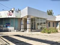 Здание, площадью 827 м²