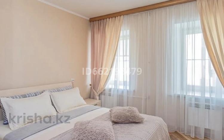 2-комнатная квартира, 72 м², 5/12 этаж посуточно, Сауран 14 за 9 000 〒 в Нур-Султане (Астане), Есильский р-н